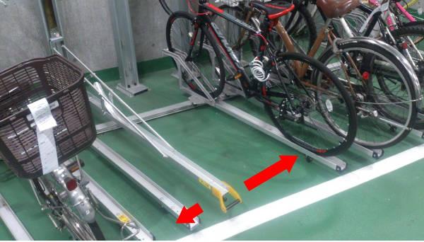下段ラックは左右にスライド可能