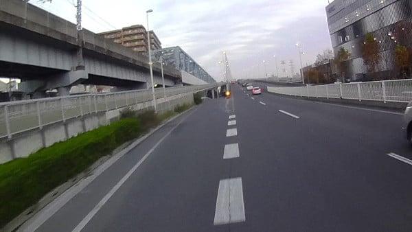 自転車進入禁止の標識は無し