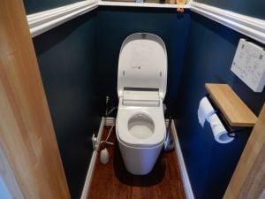 自動洗浄トイレ